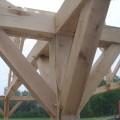Appentis en chêne sur poteaux